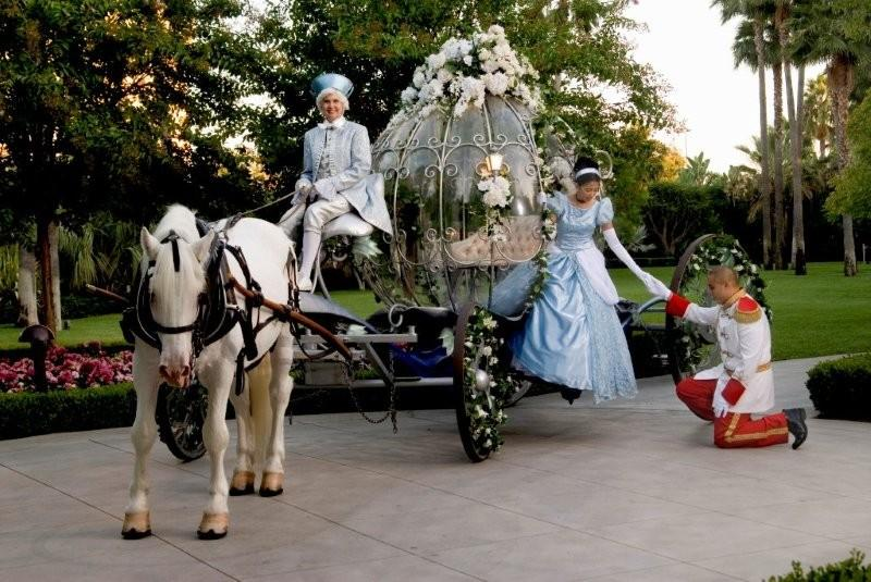 Disneyland Weddings Disneyland Hotel Wedding Venue Review Disneyland Wedding Venue Review